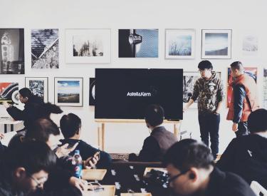 corporate seminar event with presentation