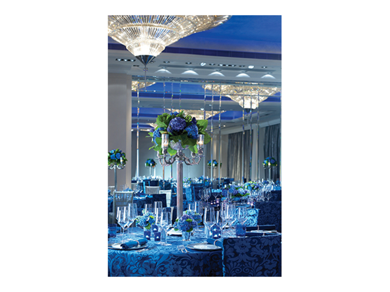 hotel ballroom with round table setting