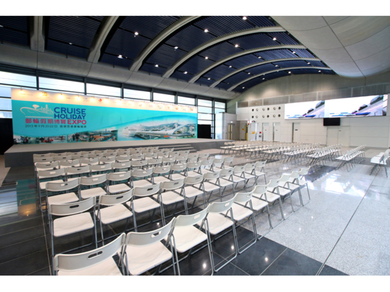 cruise holiday expo using theatre seating style