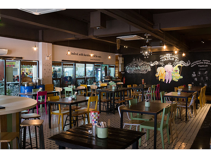 neighborhood cafe tastefully decorated with a touch of nostalgia