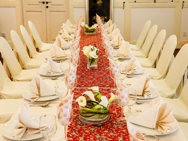 peranakan style of table decoration for business dinner