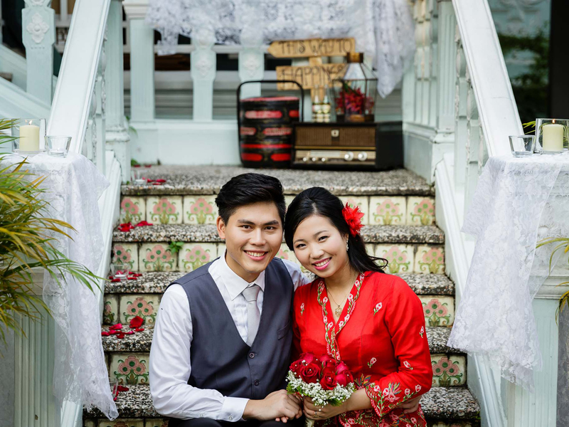 couples taking photos during their peranakan wedding