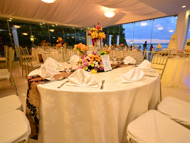 fine dining place in tagaytay with white theme interior