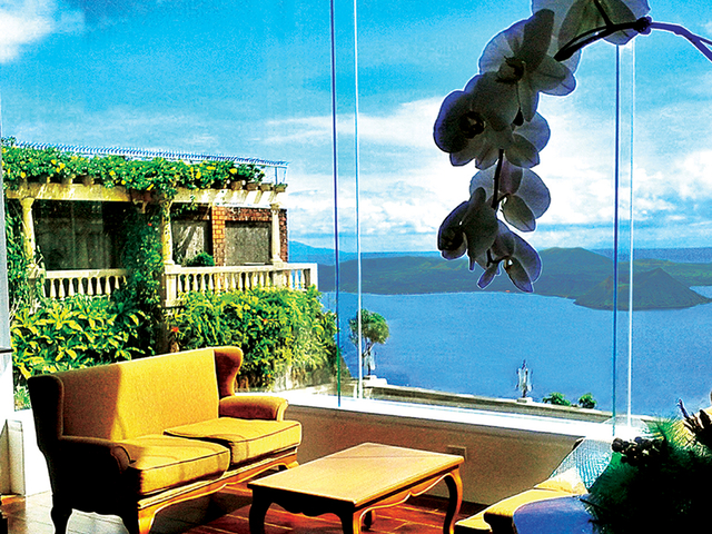 tagaytay wedding venue with garden and sea view