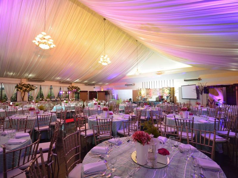 hotel ballroom wedding setup
