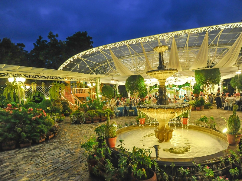 french and english garden theme of the outdoor venue