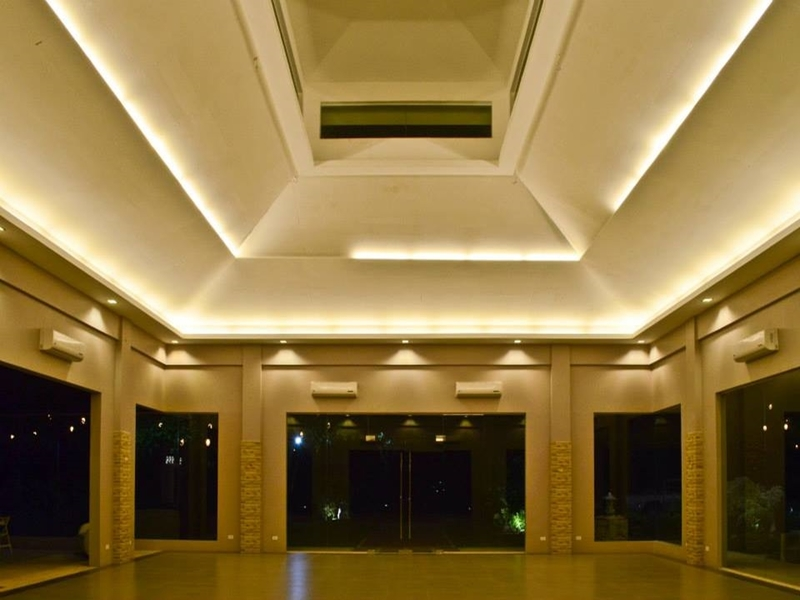 conference hall with high ceiling perfect for indoor weeding