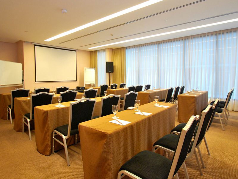 classroom seating style at the meeting room