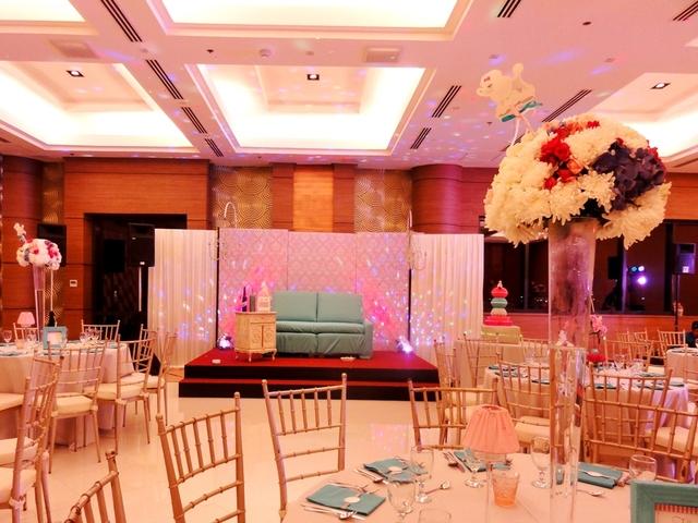 dreamy decor in ballroom party