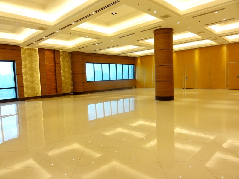 customisable empty room for corporate event setup