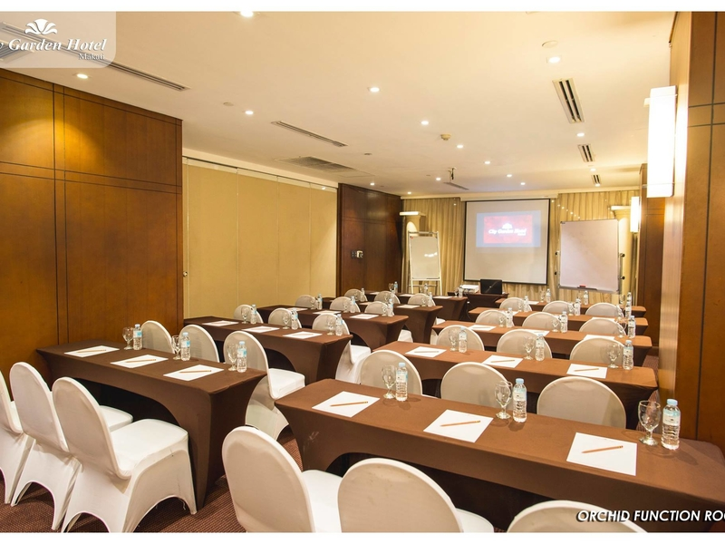 function room with classroom setup and audio-visual facilities for seminar