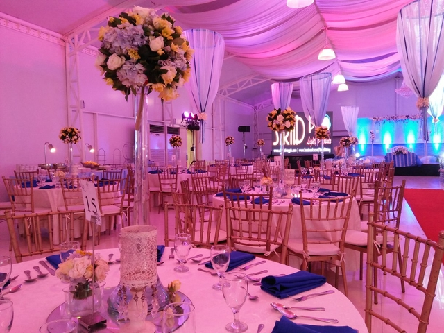 wedding reception at the function hall using banquet style