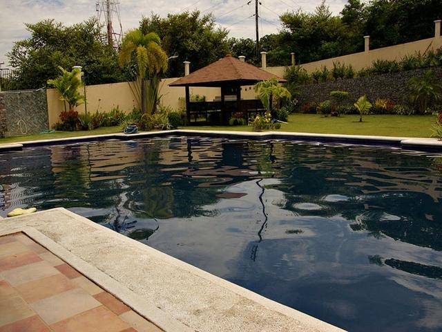 swimming pool in tali beach house