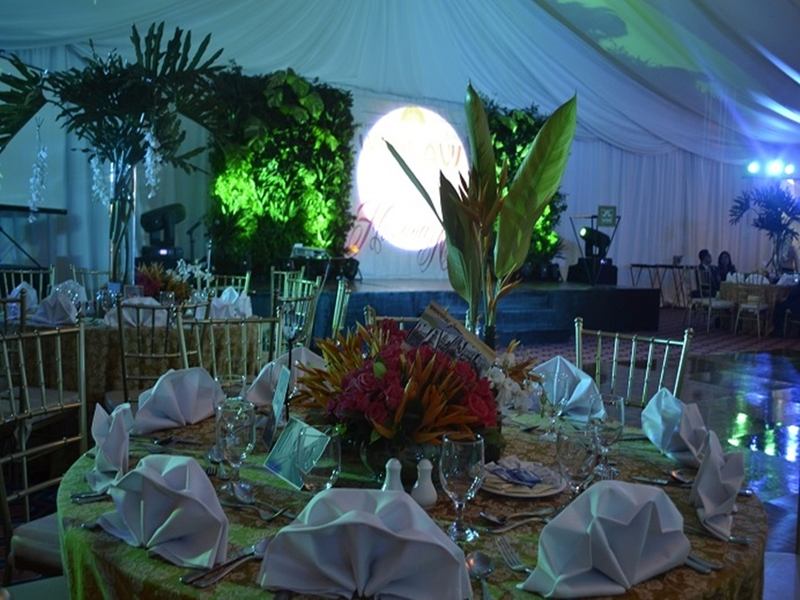 dining setup in ballroom party