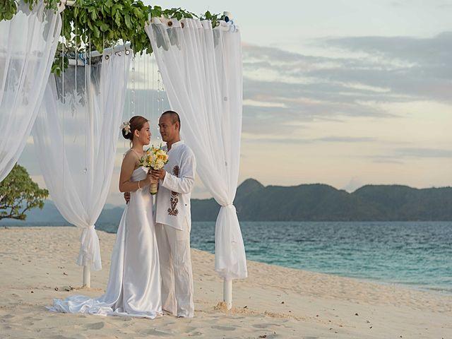 club paradise beautiful beach wedding party palawan