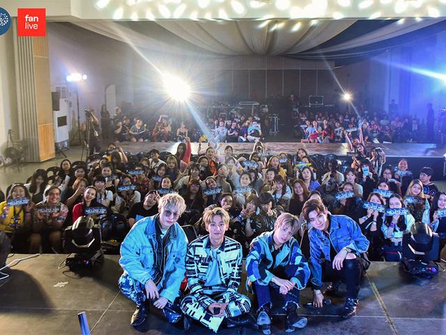 crowded korean boyband music concert situation