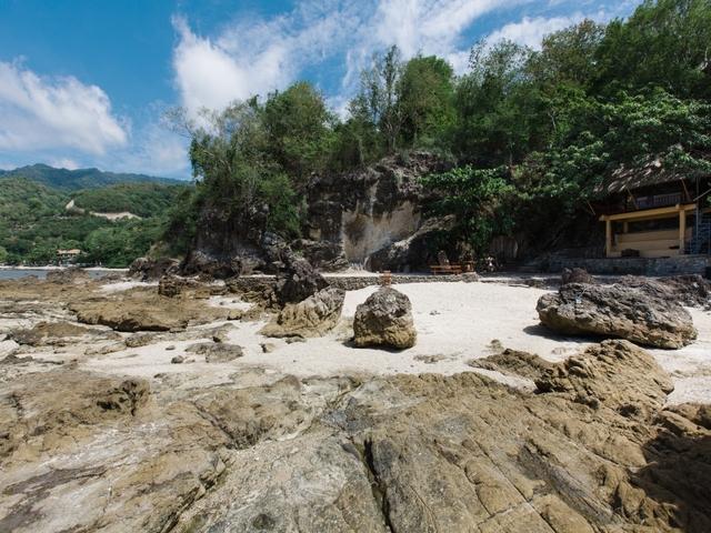 beach area at la luz beach and spa