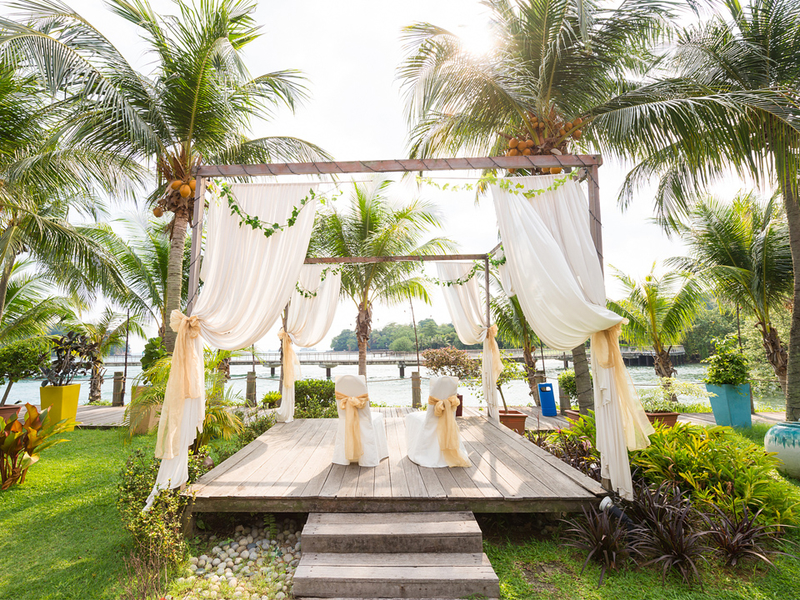 garden intimate wedding venue in singapore with sea view