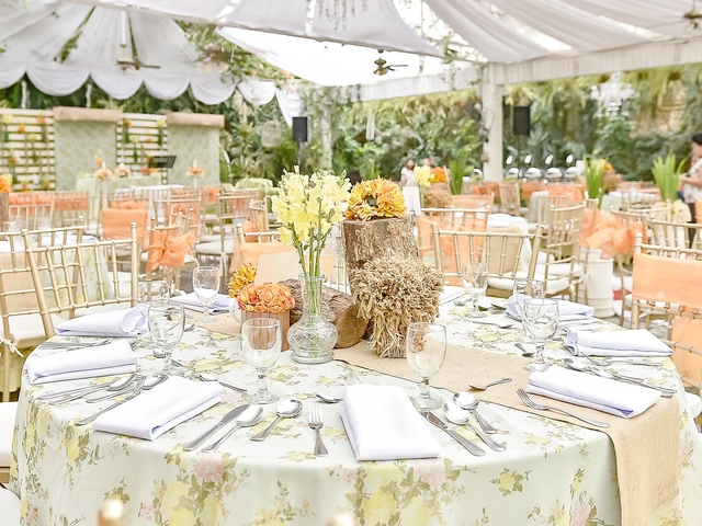 banquet wedding style beautifully decorated with table decorations