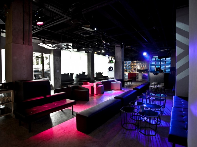 art and music venue caters the platform and technology