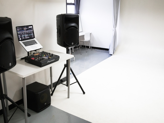 audio-visual property inside the photography studio