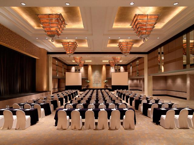 grand hyatt jakarta ballroom penthouse rent big function hall jakarta