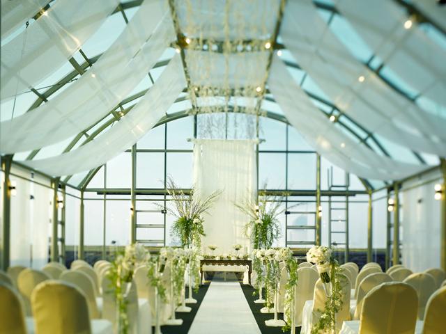 grand hyatt jakarta ballroom penthouse white theme wedding space jakarta