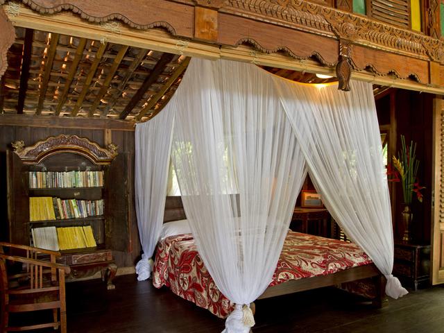 isle east indies best honeymoon spot near jakarta