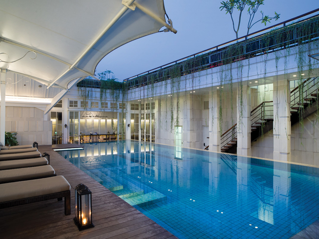la vue best pool party venue central jakarta