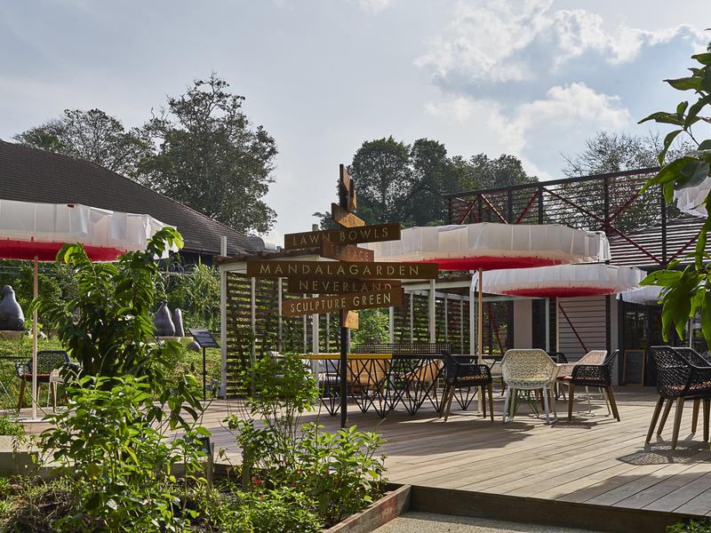 restaurant with huge open space