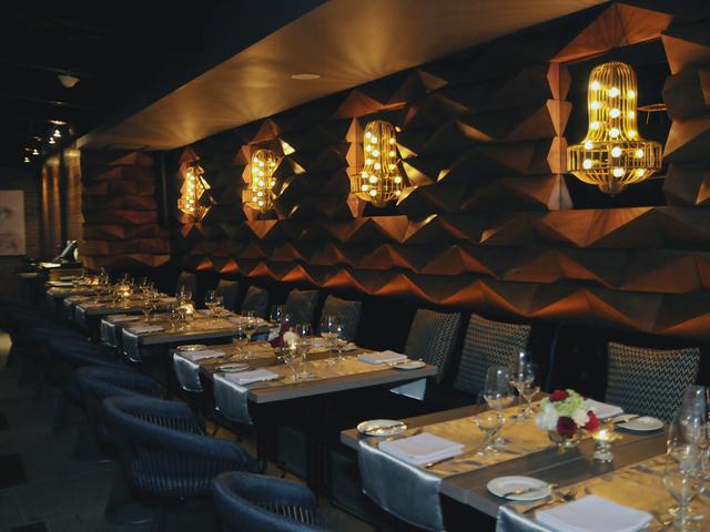 cloud lounge dining posh style bar jakarta