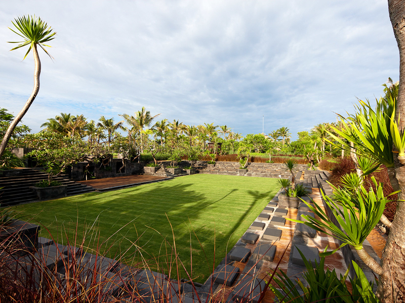 the st regis bali resort garden style venue for event