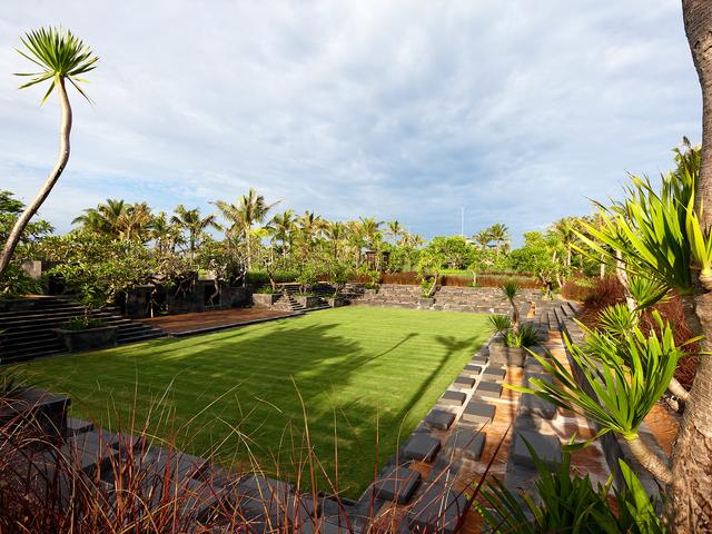 the st regis bali resort garden style venue for event