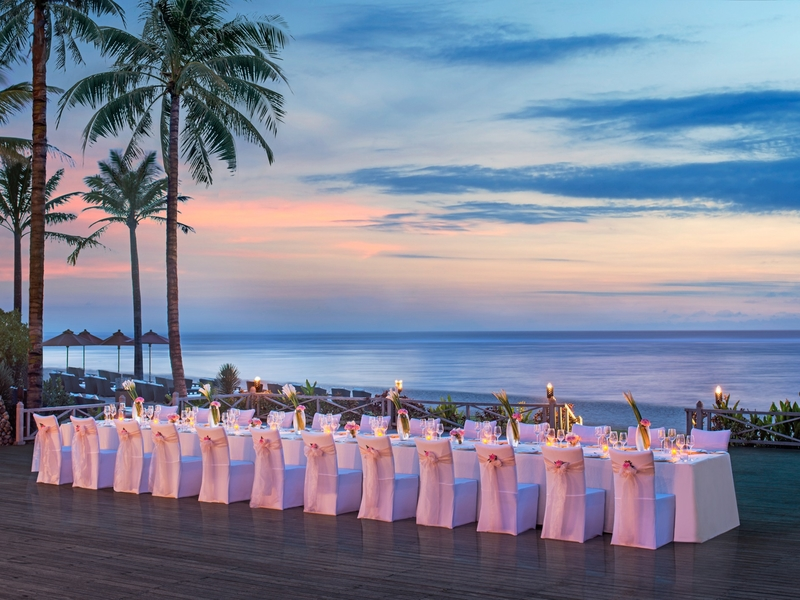 the st regis bali resort romantic dinner by the beach