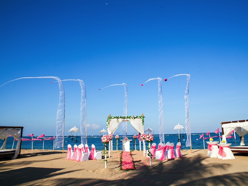 grand mirage resort and thalasso bali ballroom chapel wedding beach wedding rama stage beach side wedding bali