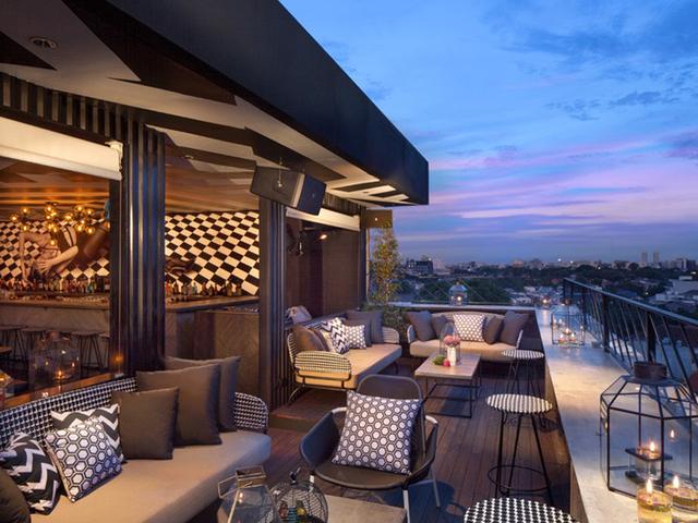 bart artotel thamrin jakarta cool rooftop bar