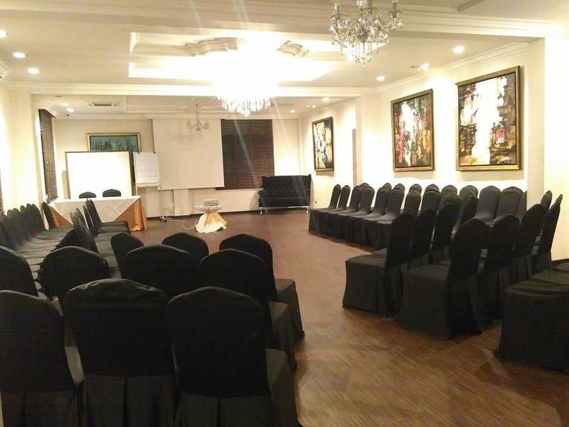 workshop room features audio-visual equipment