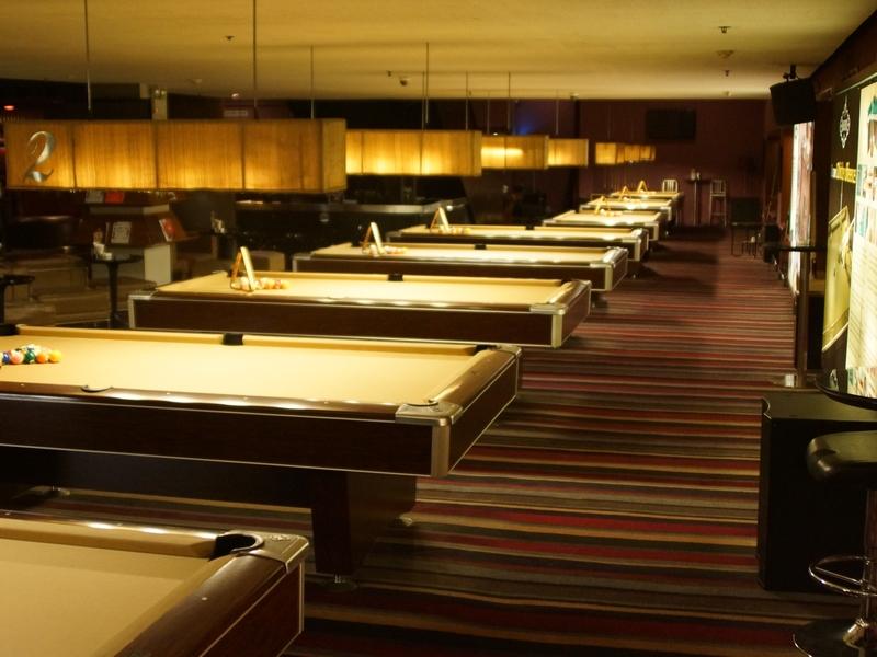q billiard senayan city tempat bermain billiard jakarta