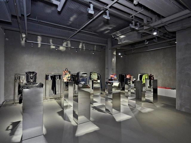 modern art exhibitions in the annex venue