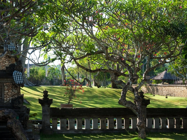 the oberoi bali best party venue with garden