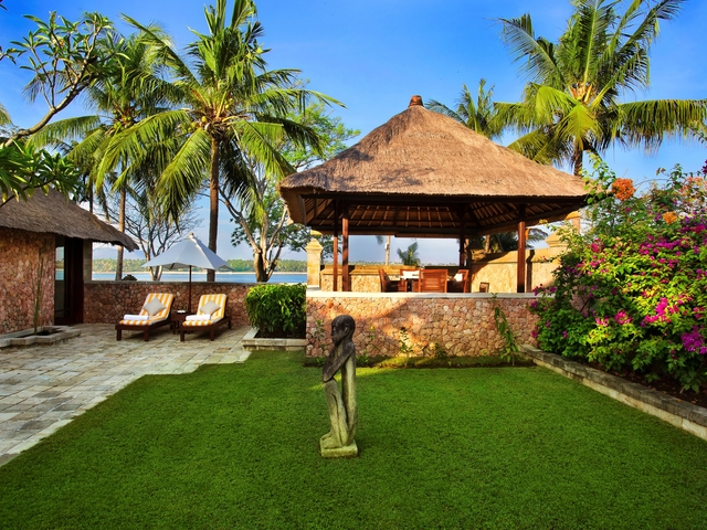 the oberoi beach resort lombok outdoor birthday party place