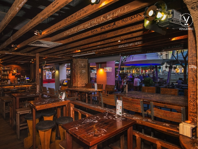 wooden theme of bar and restaurant