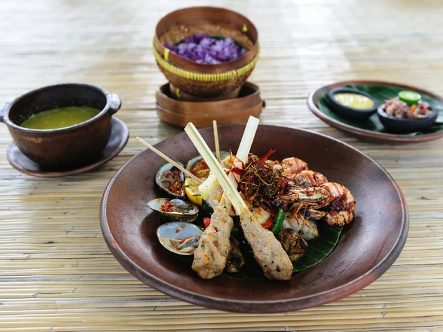 taman bhagawan bali must try balinese food