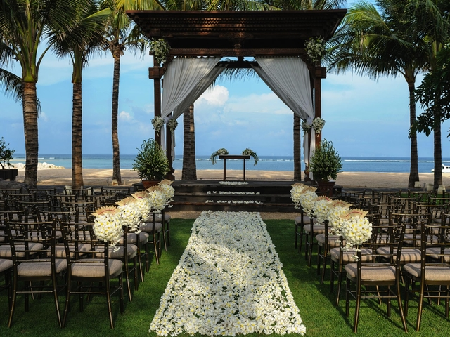 taman bhagawan bali intimate wedding by the beach