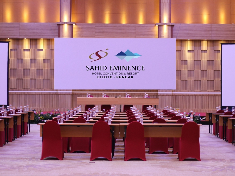 sahid eminence hotel convention and resort high ceiling room bogor
