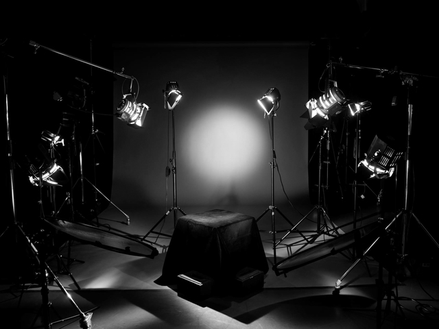 commercial lighting setup for photoshoot in studio harcourt