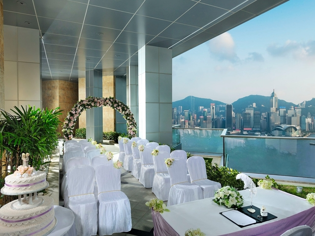 wedding solemnisation venue with the fresh air and view oh hong kong harbour