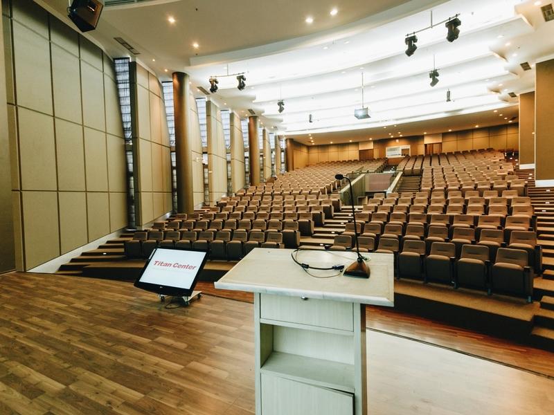 titan center sewa auditorium tangerang