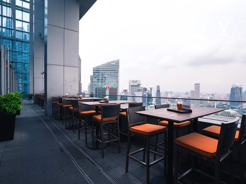 outdoor dining restaurant with city view