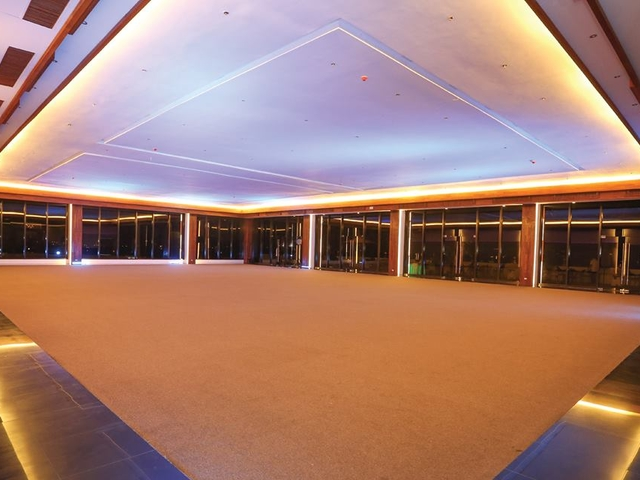 private party event space at oakridge horizons